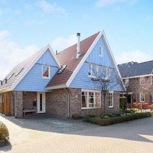 1-onder-2-kap. Heel kleurrijk huis, superstrak gestyled. 💕